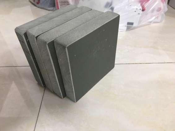 Pallets de pvc,bamboo y gmt numero uno en china para fabricar block de concreto